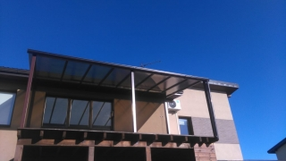 metalinės stoginės